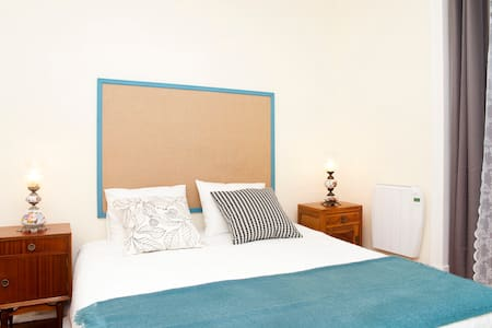 Guesthouse Apartamento Mouraria 1 - Bed & Breakfast