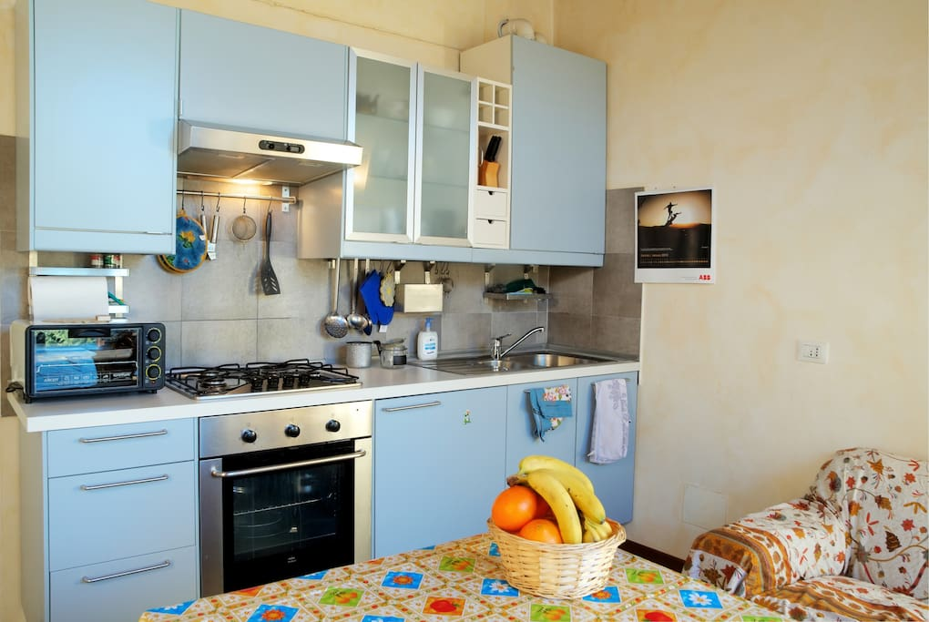 Fully equipped kitchen.... - Cucina completamente attrezzata