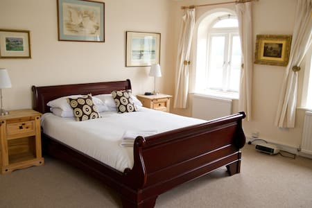 Highwaymans Bed & Breakfast - Bed & Breakfast