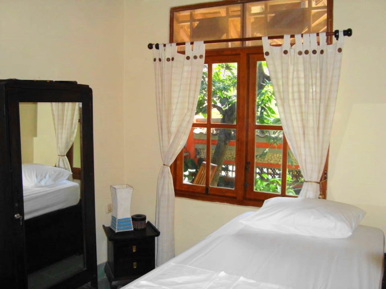 Cheap room (No 1), with plunge pool