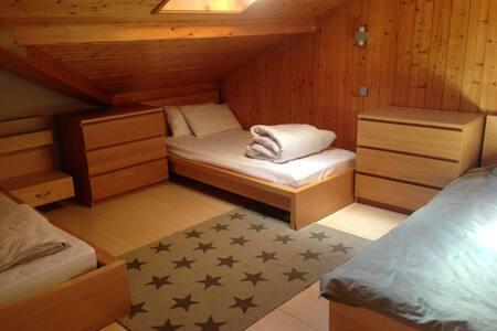 2 Bedroom Property - Center of Morzine - Appartement
