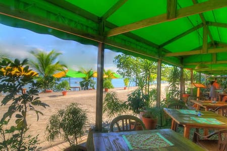 Bedroom for 4 Persons on the Beach - Puerto Jiménez - Bed & Breakfast
