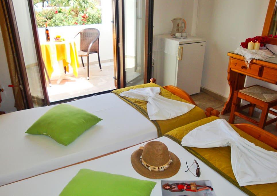 Bright room no.1 in Parikia-Paros