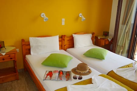 Bright room no.1 in Parikia-Paros