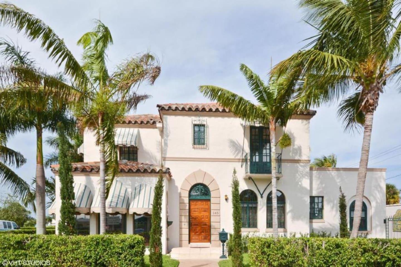 Casa de Bosque Norte is a grand historic home in West Palm Beach, FL