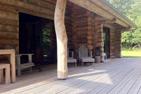 Maison bois en lisière de forêt   - House