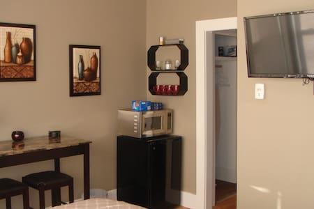 Valentine street airbnb - Apartment