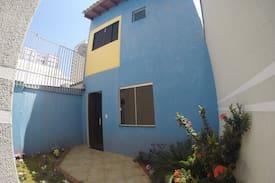 Casa no centro da cidade sem móveis