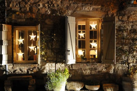 Large suite in the Cathar city - Cordes-sur-Ciel - Bed & Breakfast