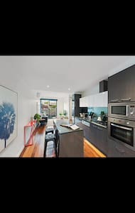 room in the heart of brunswick - Brunswick - Maison de ville