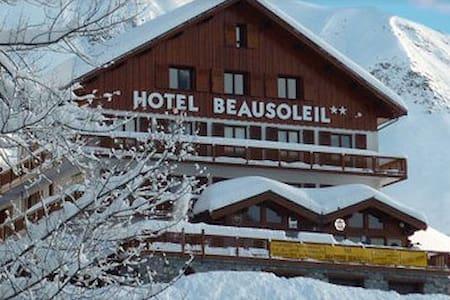B&B - Chambre double - balcon - Skis aux pieds - Saint-Sorlin-d'Arves