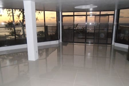 "A view like a dream became trough ""Glass-Palace"" - San Fernando - Appartement"