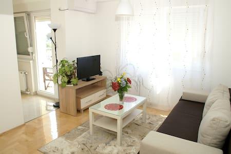 Max Apartment - Banja Luka - Wohnung