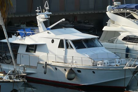 Classical  17 m private yacht - Badalona