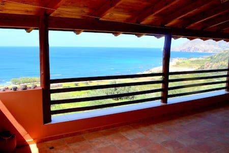 Edem Apartments Sea View - Sfinari - Hus