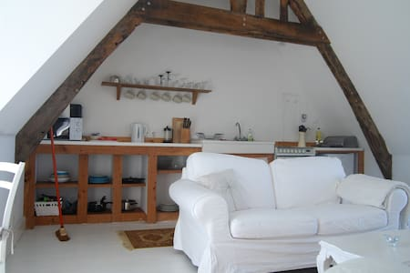 Converted Barn Loft in Rural Brittany - Haus