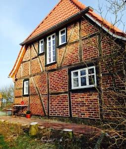 Ole Huus - Idyllisches Fachwerkhaus - House