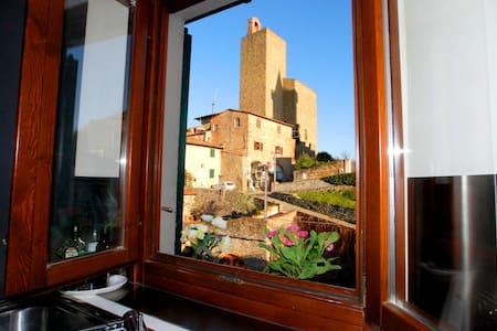 Panoramic loft in Vinci town - Lägenhet