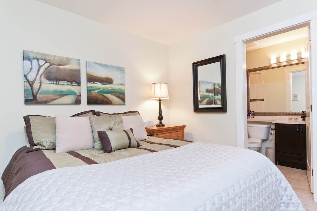 Comfortable private bedroom and ensuite with queen bed