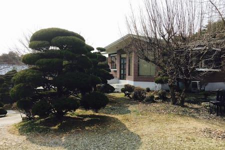 화현관광농원(Hwa-hyeon Tourism Farm) - Casa de camp