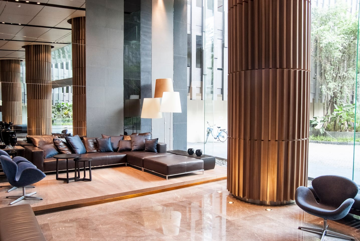 Luxurious Waterfront Condo near BTS
