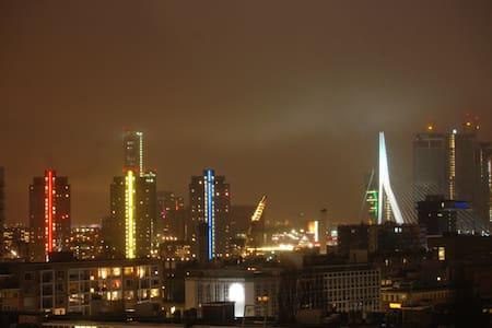 Luxury Rotterdam Skyline Apartment - Lakás