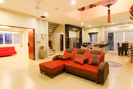 5 Bedroom Stunning Villa in Rawai - Rawai - Villa