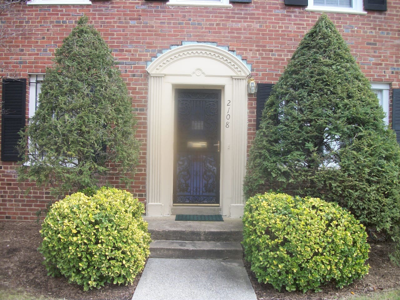 Front Entrance (lawn is taken care of by an outside service)