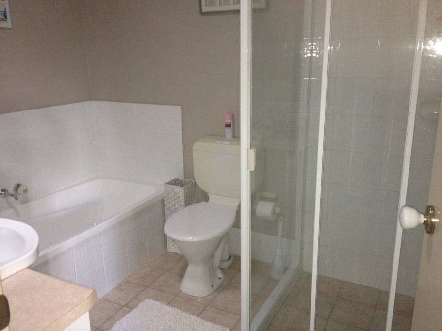 Large private bathroom. Soap, shampoo & conditioner are all supplied for you.