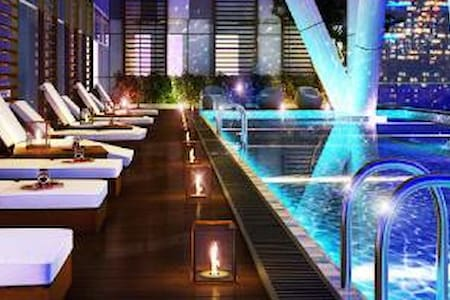 ★ 2BR Infinity Edge Pool Apartment - Wohnung