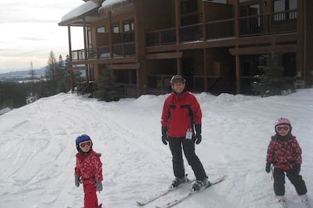Luxery 3 Bedroom Condo ski in / out - Lejlighed