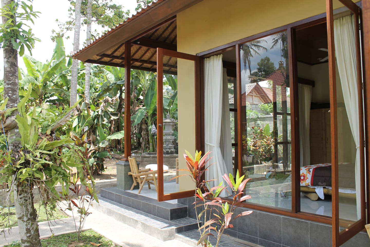 Light filled brand new 2 bedroom villa with rice field views and huge swimming pool
