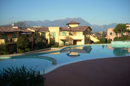 Lake Garda apt with 3 pools &tennis - Manerba del Garda