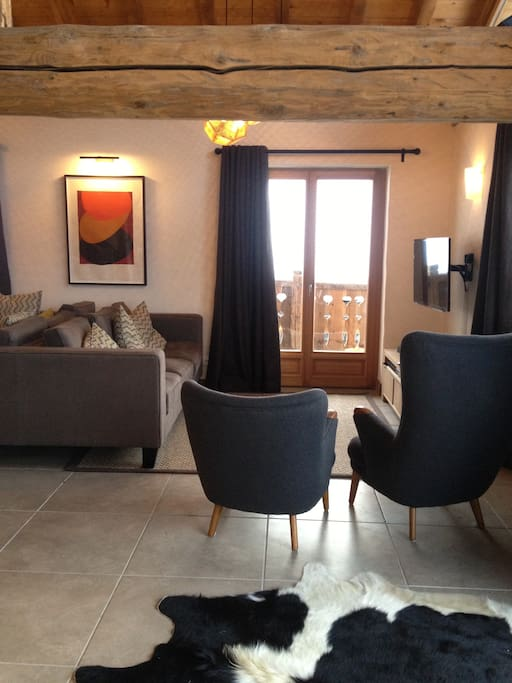 TV area (UK Sky incl.Sports & Movives + French TNT)