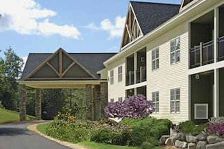 Luxury Resort at Mount Sunapee-Den - Apartament