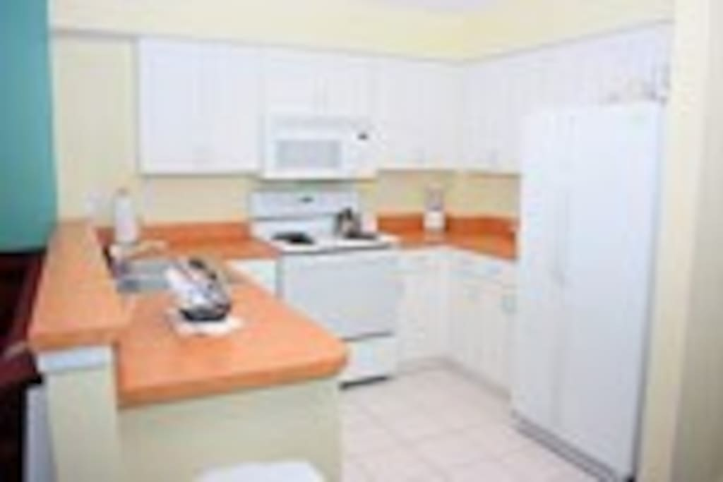 Large Well Equiped Kitchen-many appliances