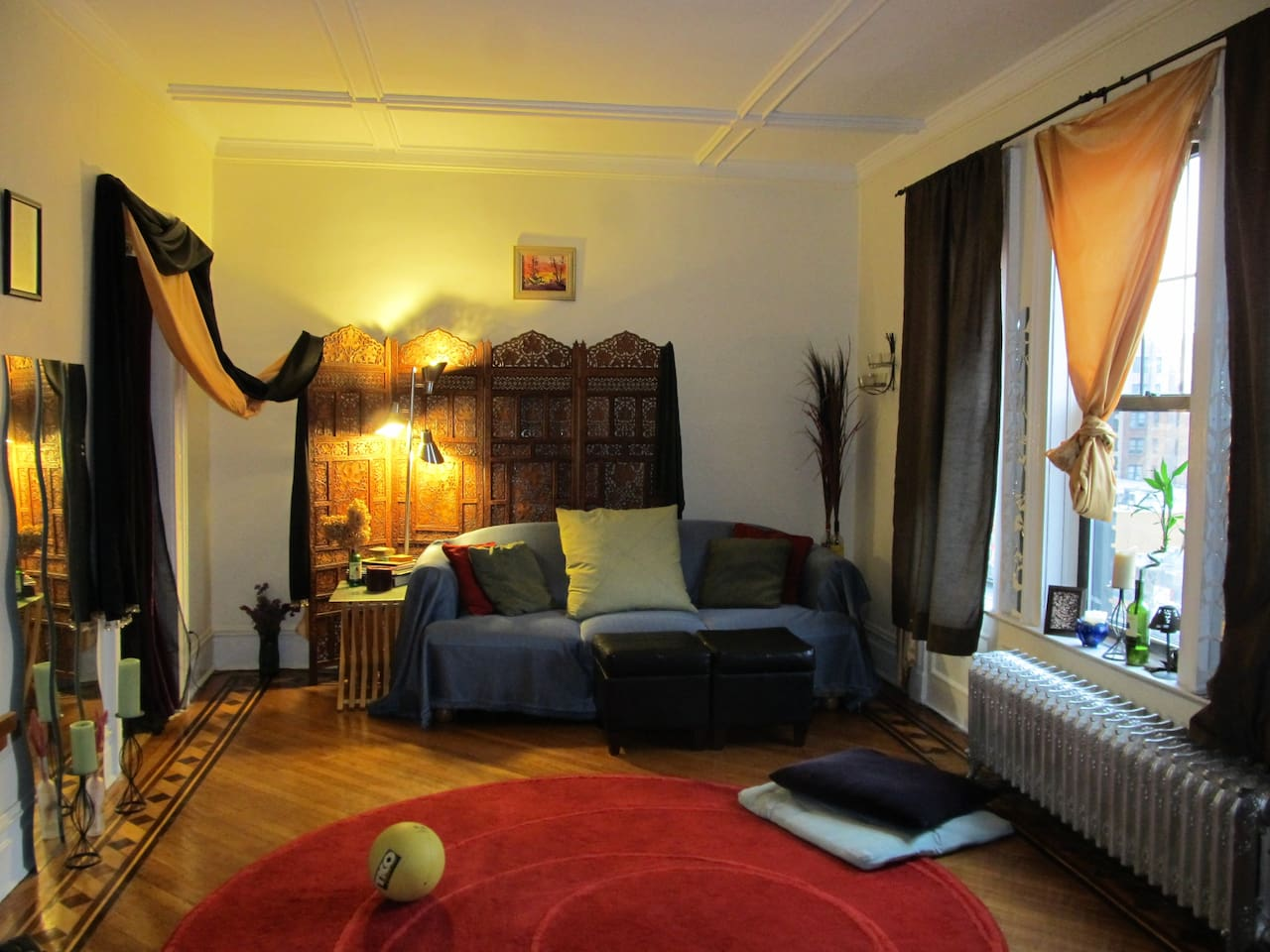 The Gustav Klimt living room!