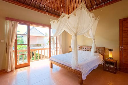 1 Bedroom Guest House in a villa