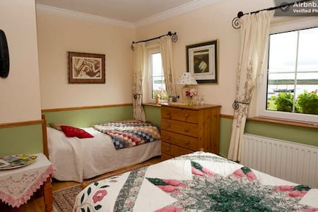 Bedroom with Panoramic Sea Views - Galway - Bed & Breakfast