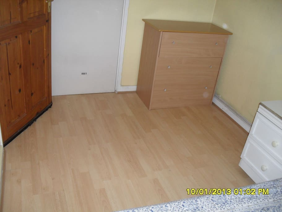Space from Bedroom to Wardrobe