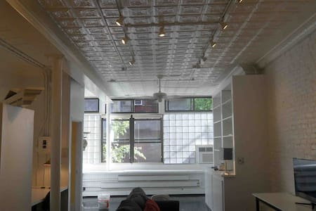 LARGE loft. apartment, very airy