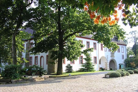 Schloß Triestewitz - bei Torgau - Arzberg