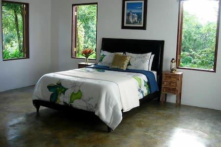 El Hotelito @ El Yunque Rainforest