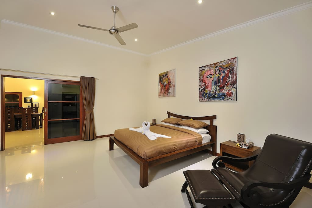 Kingsize bedroom looking out to main living area