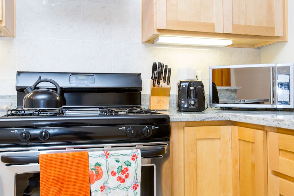 Full Stove, Microwave, toaster, coffe maker and all the things you need to prepare meals in.