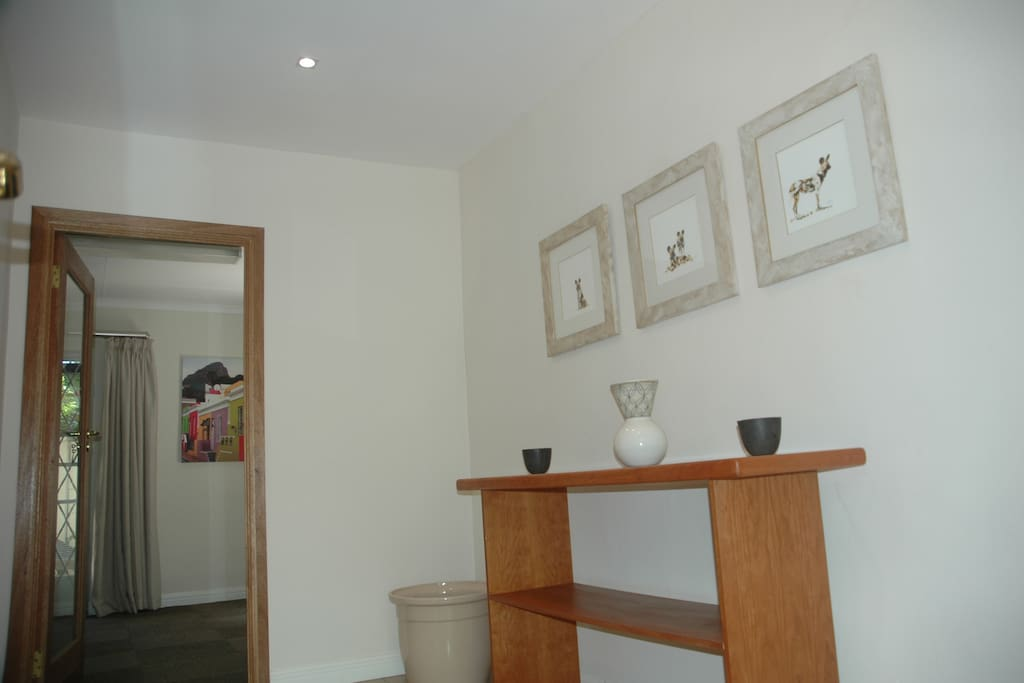 Entrance hall through to kitchen/dining room