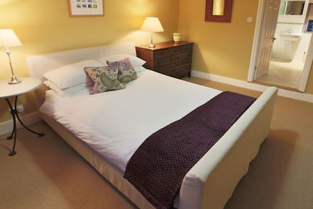 Luxurious double ensuite B n B - Tregony - Bed & Breakfast