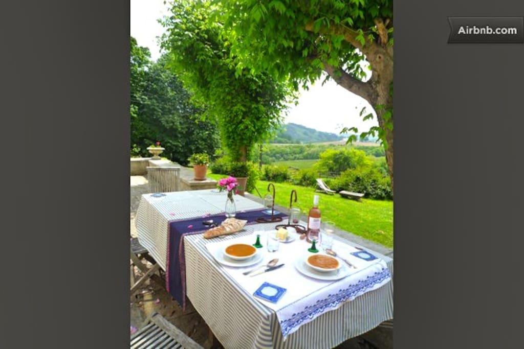 In Summer Breakfast is served on the Terrace
