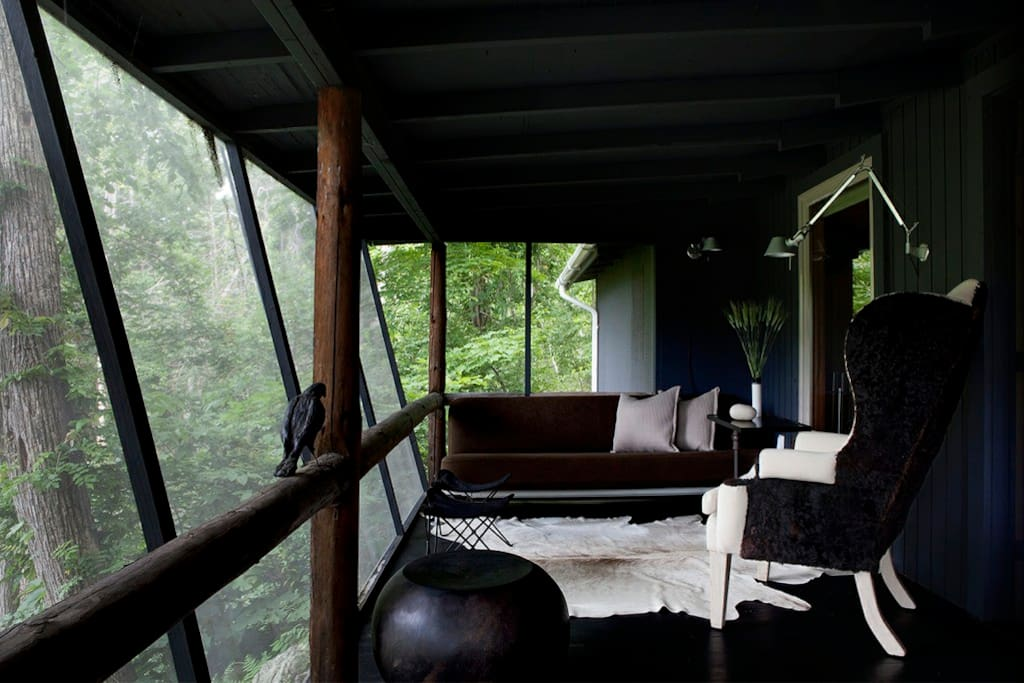 Romantic and stylish upstate cabin cabins for rent in for Upstate new york cabin