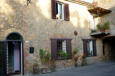 tuscan stone house,hotsprings,siena - Hus